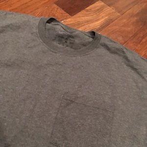 Fruit of the Loom Shirts - NWOT Men's dark gray pocket t-shirt size XL